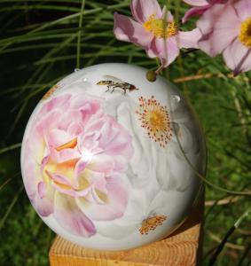 02. Rosenauschnitt mit Insekten